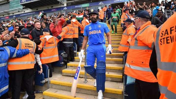 विराट कोहली से मतभेद की खबरों के बीच रोहित ने शेयर की अपनी तस्वीर, बोले- मैं अपनी टीम के लिए ही नहीं- India TV