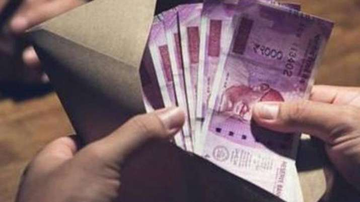 India Inc to witness double-digit median salary increment this year- India TV Paisa