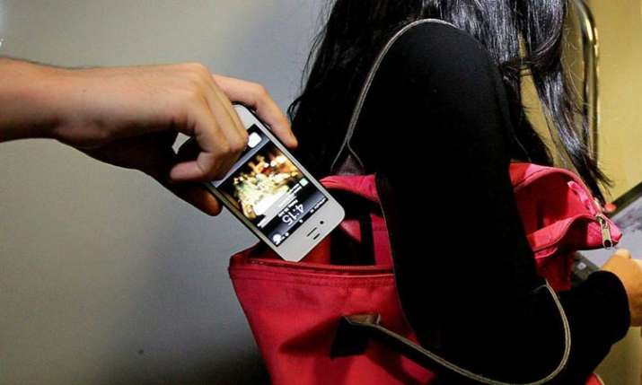 DoT likely to start tracking system for lost mobiles next month- India TV Paisa