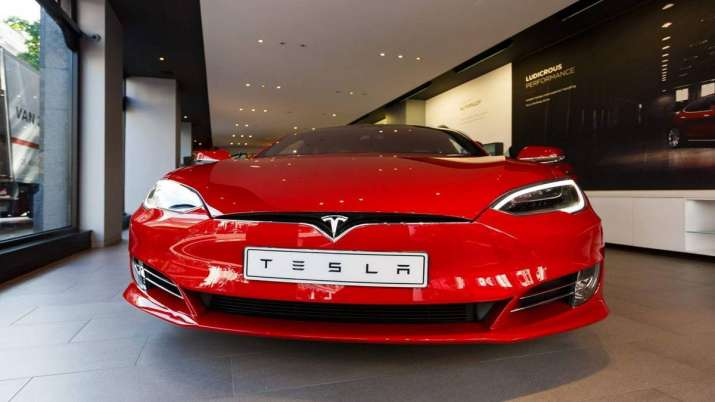 Tesla may run on Indian roads in 2020, says Elon Musk- India TV Paisa