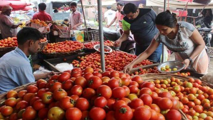 Mother Dairy to sell tomatoes at Rs 40/kg in Delhi to contain price rise- India TV Paisa