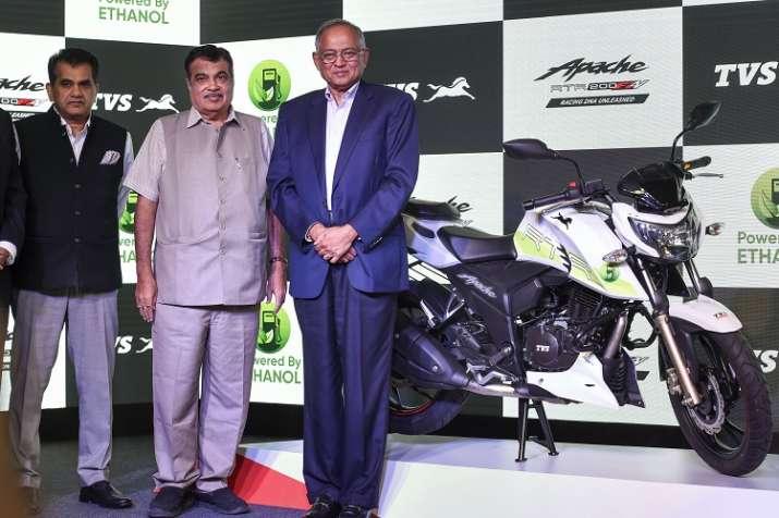 Union Minister for Road Transport and Highways Nitin Gadkari, Chairman TVS Motor Srinivasan and CEO - India TV Paisa