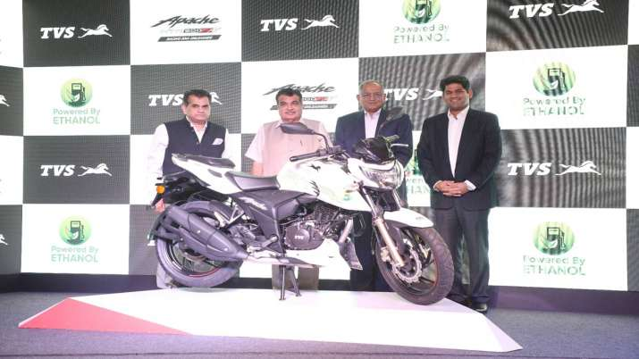 TVS Motor Company launches India's first Ethanol based motorcycle Apache RTR 200 Fi E100 - India TV Paisa