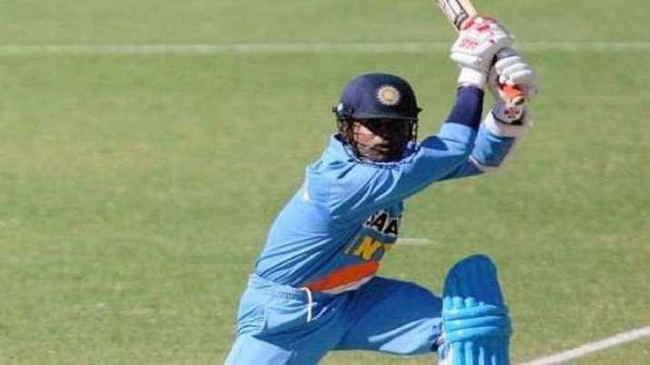 डेब्यू मैच से पहले...- India TV