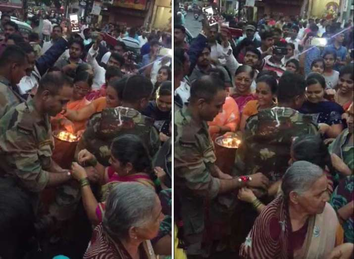 As Army jawans get ready to leave, villagers in tears in...- India TV