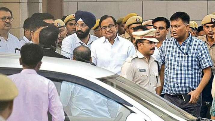 Special CBI court extends CBI remand of P Chidambaram...- India TV