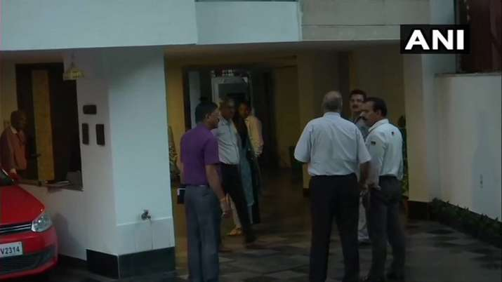 CBI officers has left from the residence of P Chiadambaram- India TV