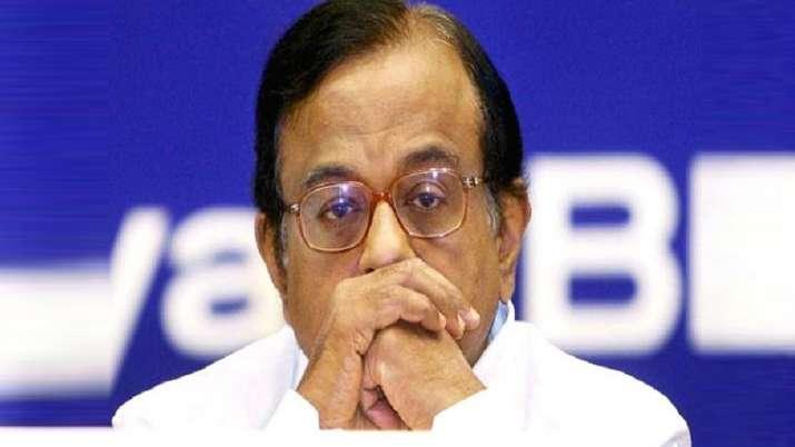 सुप्रीम कोर्ट आज करेगा चिदंबरम की याचिका पर सुनवाई, सीबीआई जुटी है पूछताछ में- India TV