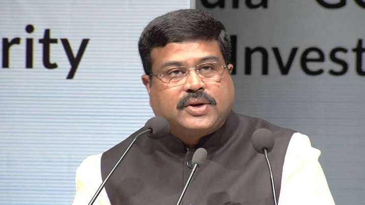 Pradhan says Rs 1.2 lakh cr investment planned for city gas network expansion |- India TV Paisa