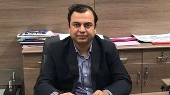 Gujarat IAS officer Gaurav Dahiya suspended on charges of bigamy and cheating | Twitter Photo- India TV