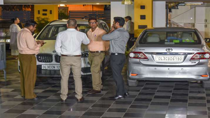 CBI team reaches Chidambaram's residence, leaves as he was not home- India TV