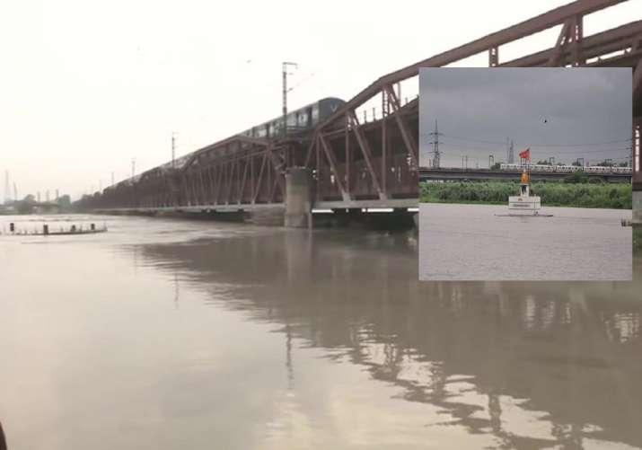 Waterlevel rises in yamuna- India TV