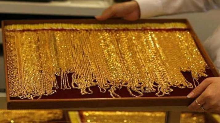 Gold rises for fourth consecutive day, touches fresh high of Rs 38,995- India TV Paisa