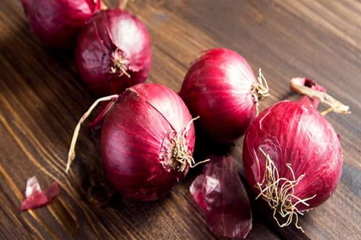 Centre warns of strict action against hoarding of onion- India TV Paisa
