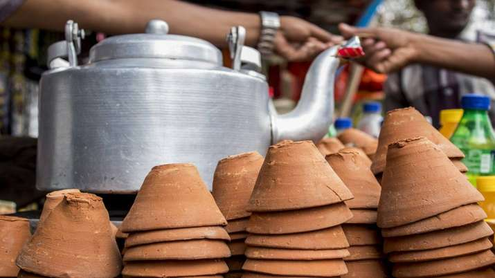 Soon, you may enjoy tea served in 'kulhads' across railway stations, airports, malls- India TV Paisa