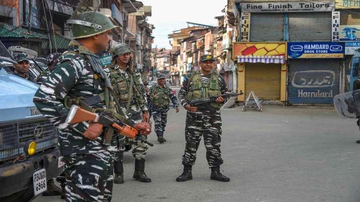 कश्मीर घाटी में 50...- India TV