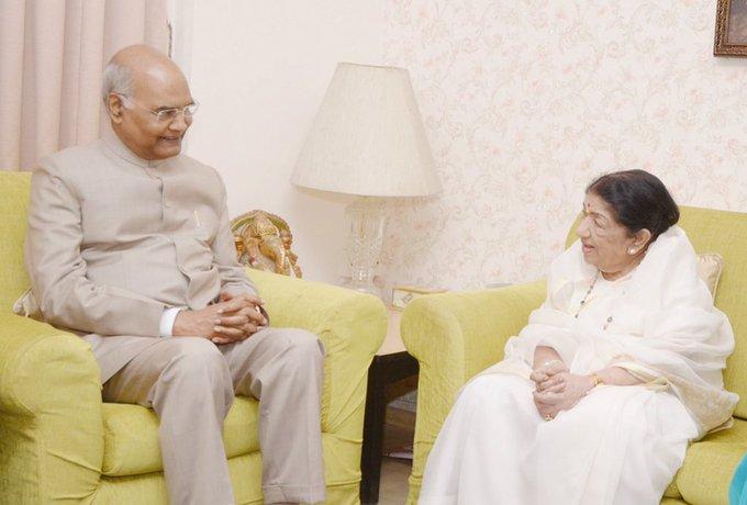 लता मंगेशकर से मिलने...- India TV