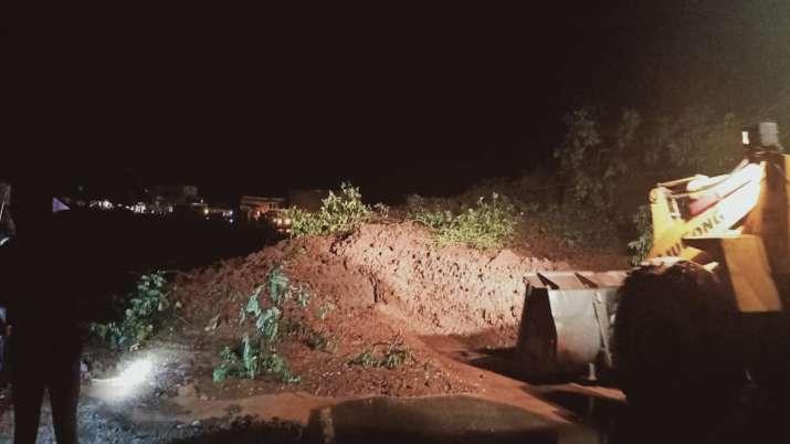 Mumbai Goa Highaway Closed Due to Land Slide- India TV