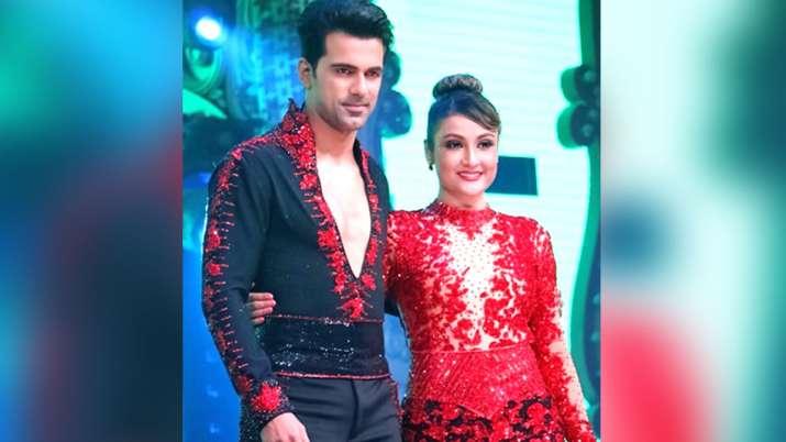 अनुज सचदेवा और उर्वशी ढोलकिया- India TV