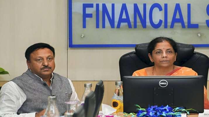Economic Affairs Secretary to soon hold discussions with FPI representatives, says Nirmala Sitharama- India TV Paisa