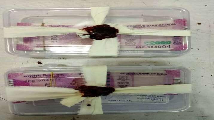 SOG की ताबड़तोड़ कार्रवाई, नकली नोट और हथियारों का जखीरा बरामद- India TV