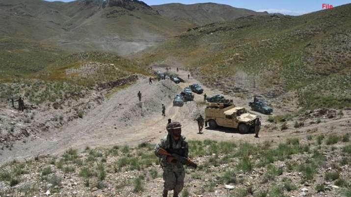 भारतीय सीमा पर चुपके-चुपके पहुंची पाकिस्तानी सेना, कैमरे पर पकड़ी गई साजिश- India TV