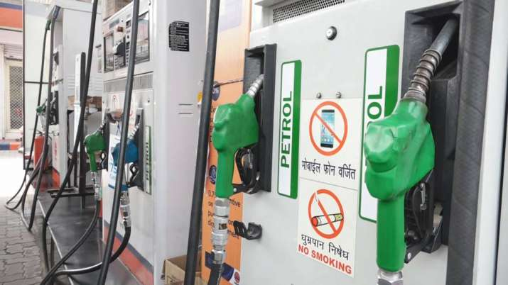 Petrol, diesel become cheaper in Delhi than UP- India TV Paisa
