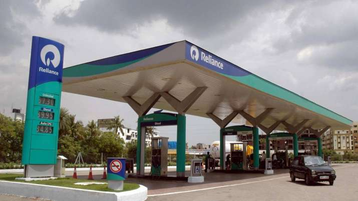 Reliance, BP form joint venture to set up 5,500 petrol pumps- India TV Paisa