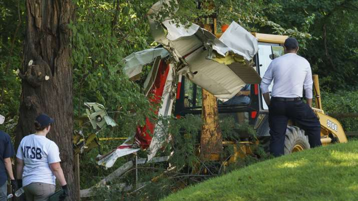 Indian-origin doctor couple, daughter killed after plane crashes behind home in Philadelphia | AP- India TV