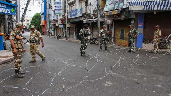 Security forces rubbish Pak journalist charge of fratricide between CRPF, JK Police- India TV