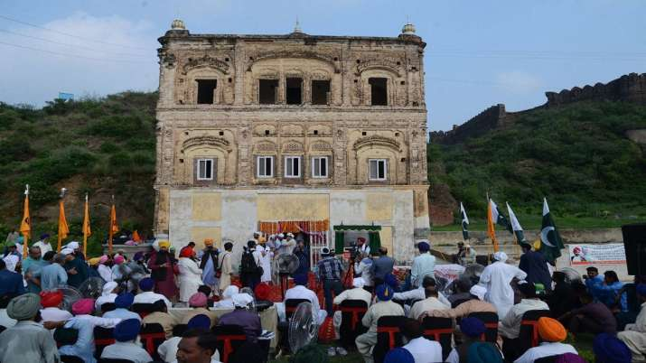 72 years after partition, Pak opens historic gurdwara in...- India TV