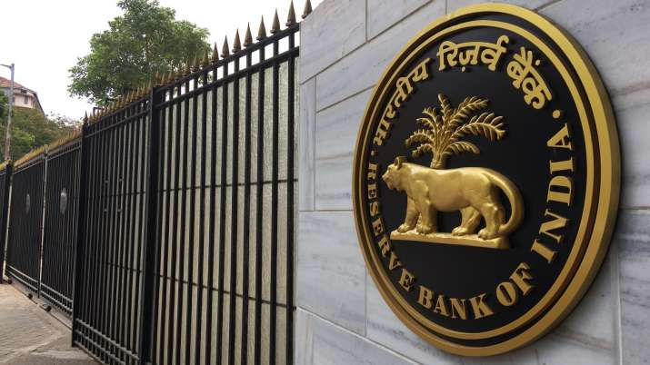 RBI board approves Rs 1.76 lakh crore transfer to government - India TV Paisa