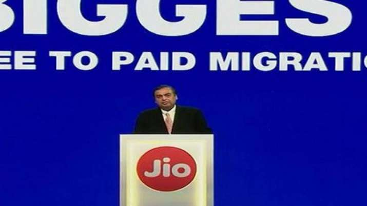 BP to pay Rs 7,000 cr for 49 pc stake in Reliance's fuel retail network- India TV Paisa