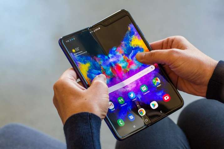 samsung galaxy fold smartphone- India TV Paisa