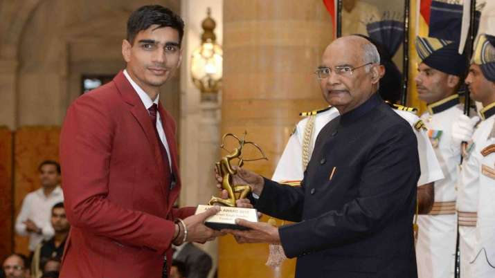 भारतीय फुटबॉलर...- India TV