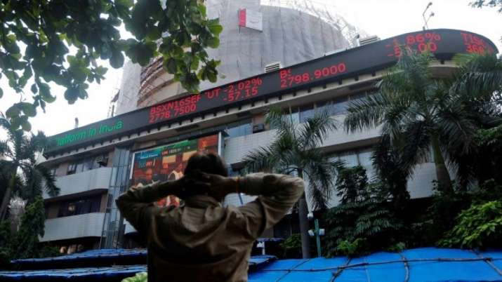 Sensex rallies 637 pts on tax relief buzz; Nifty reclaims 11,000-mark- India TV Paisa