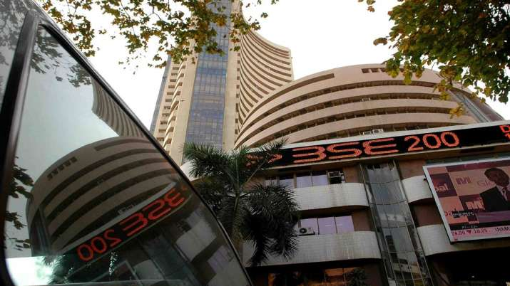 Sensex dives 623.75 points to end at 36,958.16; Nifty slips 183.80 points - India TV Paisa