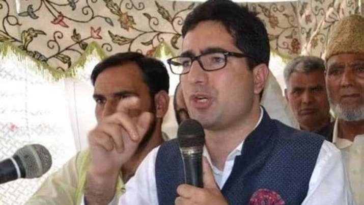 Shah Faesal sent back to Kashmir from Delhi, detained under PSA in Srinagar- India TV