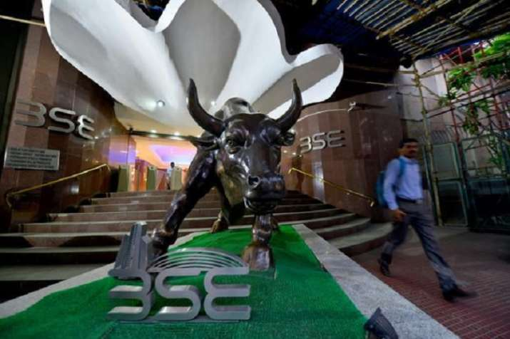 stock market on 23 August bse Sensex slumps nearly 370 points, 100 points fall in nse Nifty - India TV Paisa