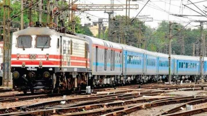 south eastern railway recruitment- India TV