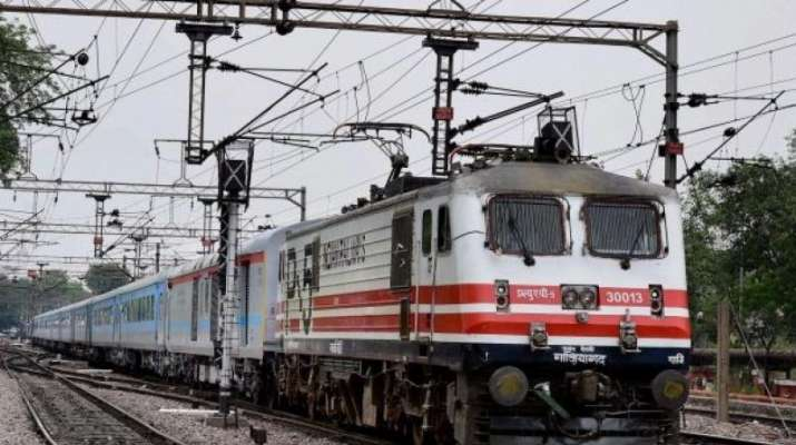 irctc indian railways earned rs 25000 crore from tatkal tickets travellers in last 4 years finds rti- India TV Paisa