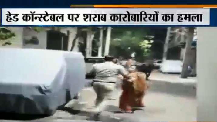 सिपाही पर हमले के...- India TV