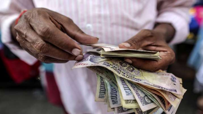 Over 6 cr EPFO members to get 8.65 pc interest for 2018-19- India TV Paisa