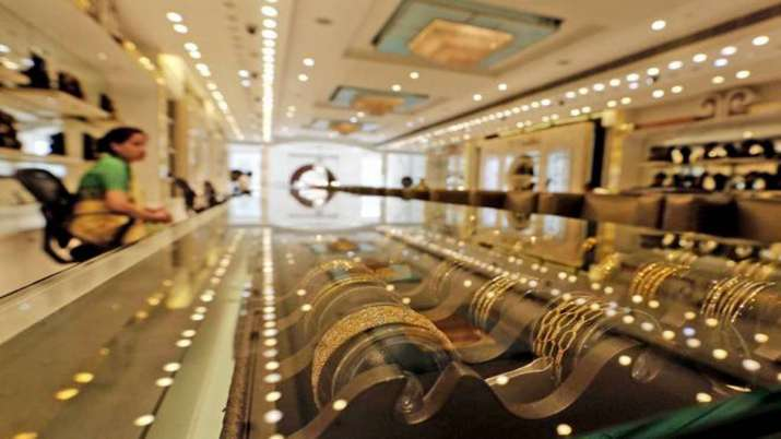 Gold drops by Rs 121 on strong rupee, weak international cues- India TV Paisa