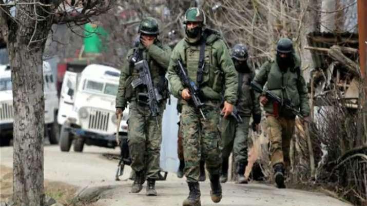 जम्मू में देखे गए दो हथियारबंद संदिग्ध, सैन्य प्रतिष्ठानों पर हमले की साजिश- India TV