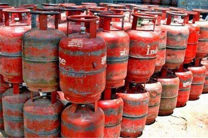 lpg gas cylinder price increased from 1 september 2019 inflation- India TV Paisa
