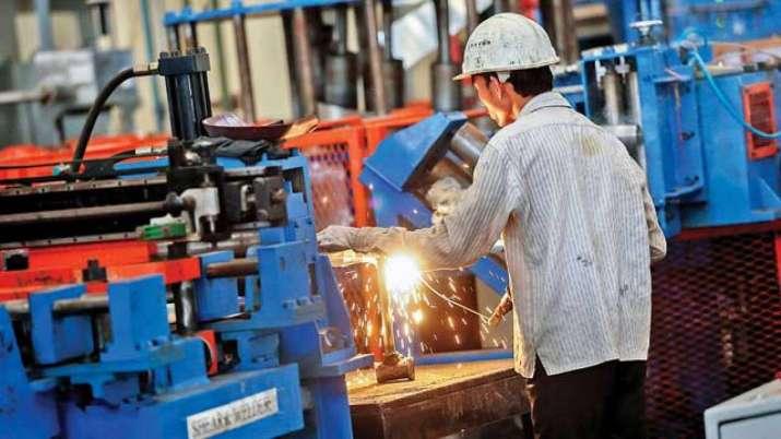 Govt to soon decide on Sinha panel report on MSME sector, says Gadkari- India TV Paisa
