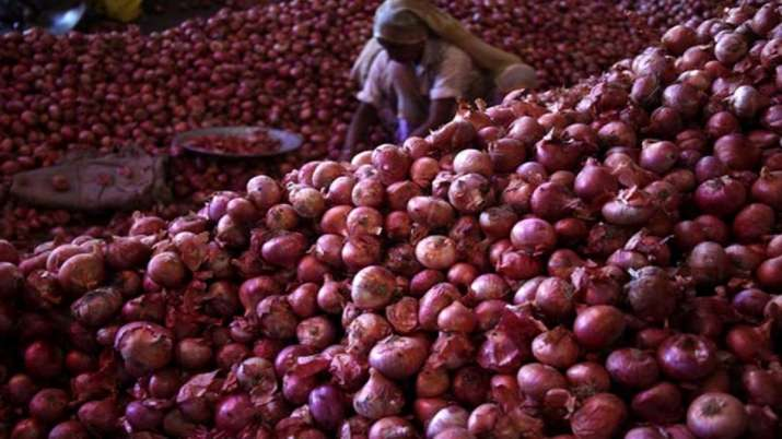 MMTC floats bids for import of 2,000 tonnes of onions- India TV Paisa