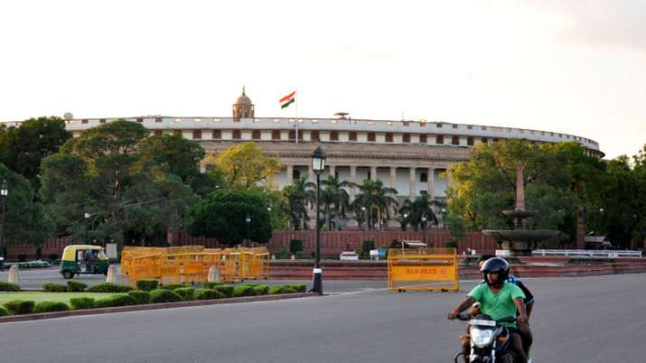 Man trying to enter in Parliament with Knife arrested by Delhi Police- India TV