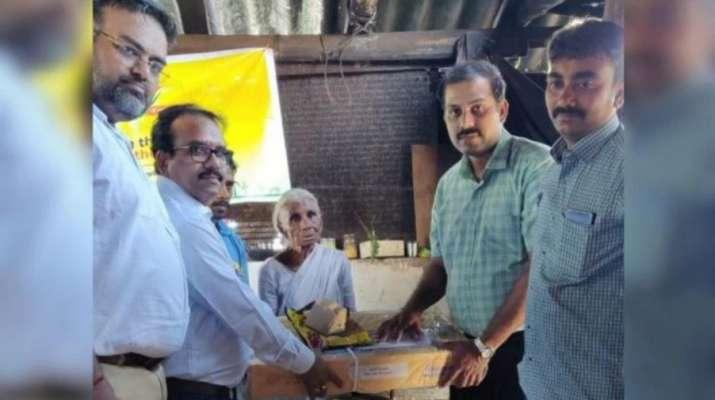 Idli Amma gets gas connection - India TV